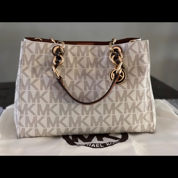 Women Marshall Michael Kors Handbags on Poshmark